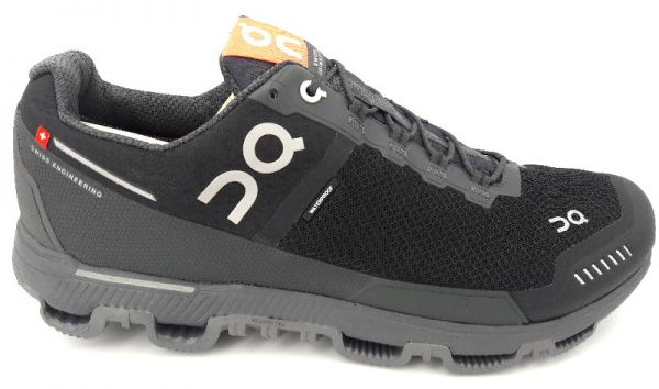 On Running Cloudventure Waterproof black/dark